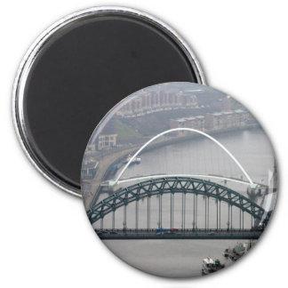 El puente de Tyne y puente del milenio Imanes Para Frigoríficos