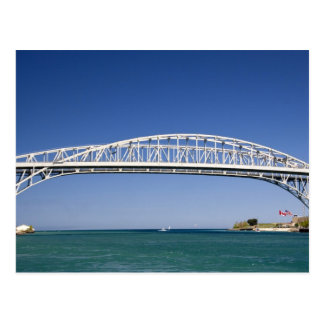 El puente del agua azul es un puente del tarjetas postales