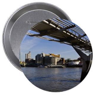 El puente del milenio pin