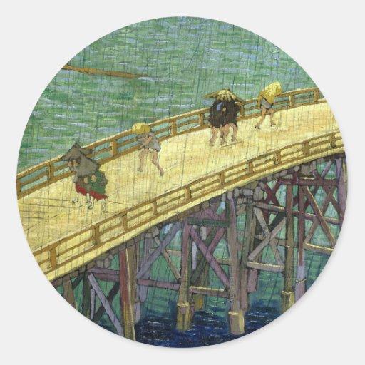 El puente en la lluvia (después de Hiroshige) Van Pegatina Redonda
