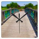 El puente en Powell cultiva un huerto Kansas City Reloj