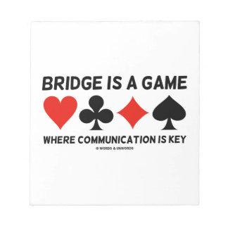 El puente es un juego donde está llave la libreta para notas