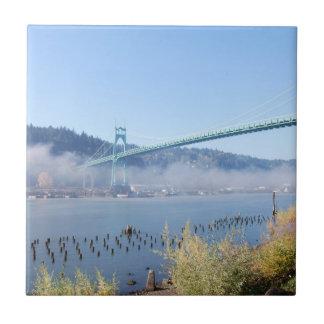El puente hermoso de St Johns Azulejo Cuadrado Pequeño