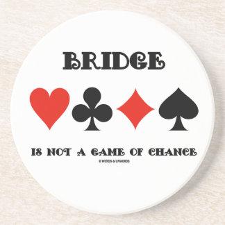 El puente no es un juego de azar (cuatro juegos de posavasos de arenisca