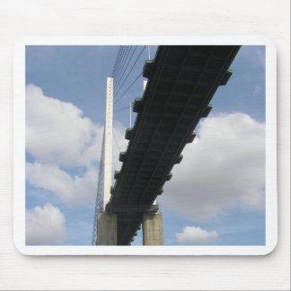 El puente QE2 Alfombrilla De Ratones