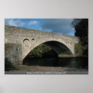 El puente sobre el río junta con te, Middleton-en- Impresiones