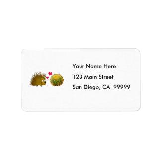 El puerco espín ama el cactus etiqueta de dirección