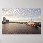 El puerto de Amsterdam en los Países Bajos Poster