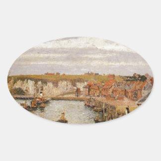 El puerto de Dieppe de Camille Pissarro Pegatina Ovalada
