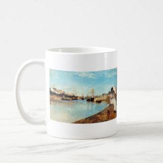 El puerto de Lorient de Berthe Morisot Taza Clásica