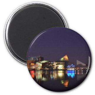 El puerto interno de Baltimore en la noche Imán Redondo 5 Cm