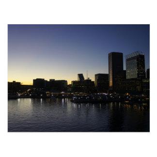 El puerto interno de Baltimore en la noche Postales