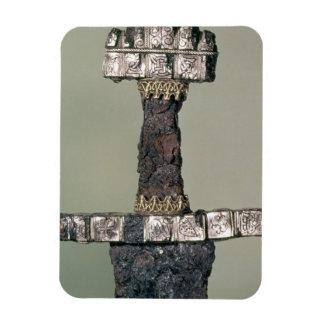 El puño de una espada de Viking encontró en Hedeby Imanes