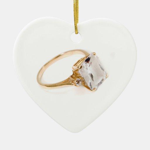 Él puso un anillo en It/save la fecha Adorno De Cerámica En Forma De Corazón