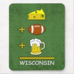 El queso más fútbol más la cerveza es Wisconsin Alfombrilla De Ratones