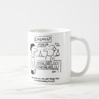 El químico vende solamente productos embarazosos taza de café