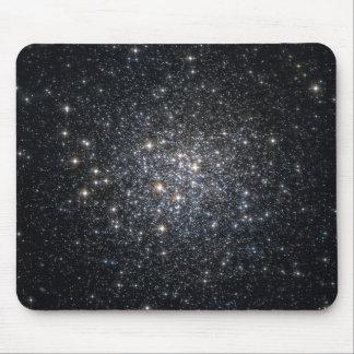 El racimo globular M72 protagoniza el espacio Alfombrilla De Ratones