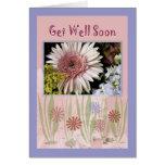El ramo rosado de la flor de la margarita, amigo, tarjeta de felicitación