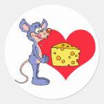 El ratón ama el queso pegatina redonda