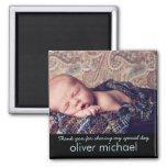 El recuerdo azul de la foto dulce del bebé le imán cuadrado
