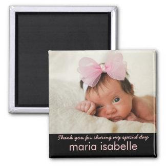 El recuerdo dulce de la foto del bebé le agradece