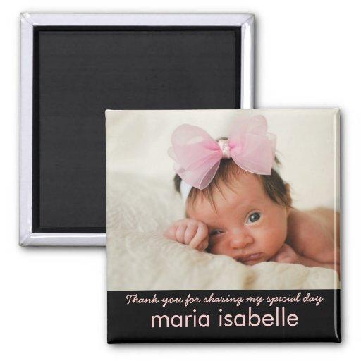 El recuerdo dulce de la foto del bebé le agradece imán cuadrado