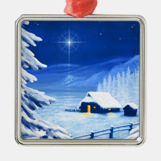 El refugio debajo de la estrella del navidad adorno cuadrado plateado
