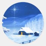 El refugio debajo de la estrella del navidad pegatina redonda