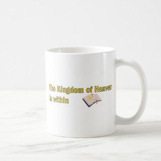 El reino del cielo está dentro de diseño de la taza de café