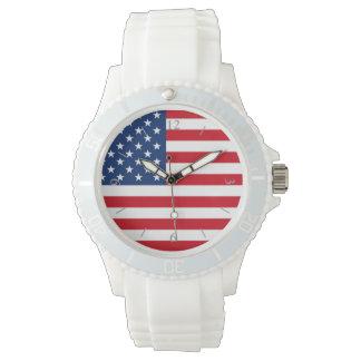 El reloj blanco de las mujeres de la bandera