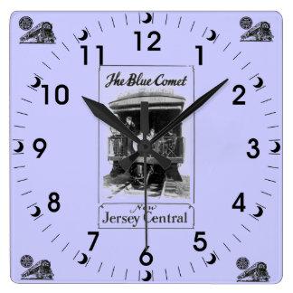 El reloj de pared azul del vintage del tren del co