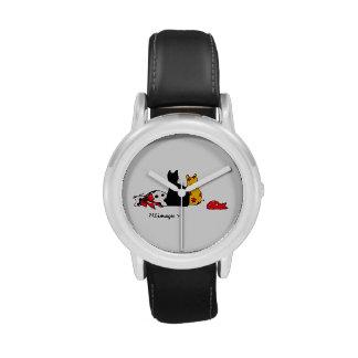 El reloj del niño colorido de los gatos