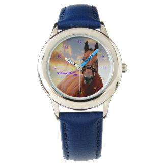 El reloj del niño con el caballo en cara