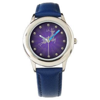 El reloj del reno de los niños tachonados diamante