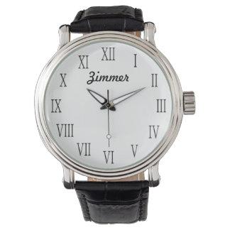 El reloj personalizado con clase de los hombres