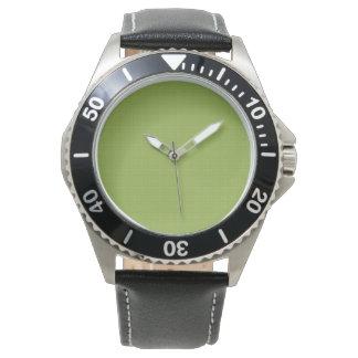 El reloj W03B de los hombres del modelo del fondo