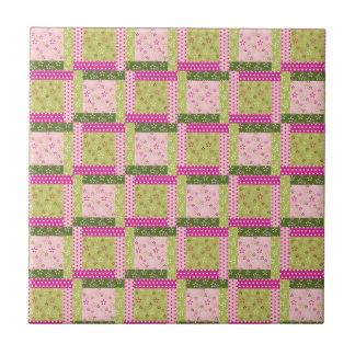 El remiendo verde rosado bonito ajusta el modelo d azulejo cuadrado pequeño