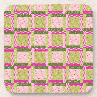 El remiendo verde rosado bonito ajusta el modelo d posavasos de bebida