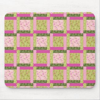 El remiendo verde rosado bonito ajusta el modelo d tapete de ratones
