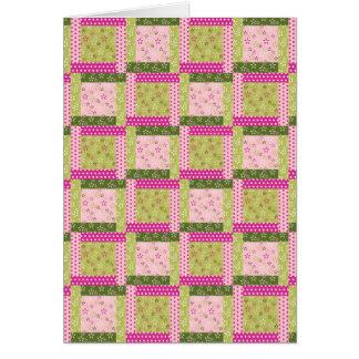 El remiendo verde rosado bonito ajusta el modelo tarjeta de felicitación