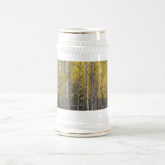 El resplandor amarillo de Aspen Jarra De Cerveza