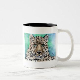 El resplandor azul del leopardo taza dos tonos