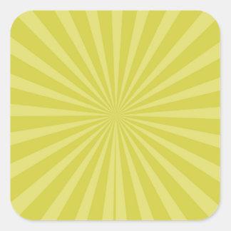 El resplandor solar amarillo verde Sun irradia el Pegatina Cuadrada