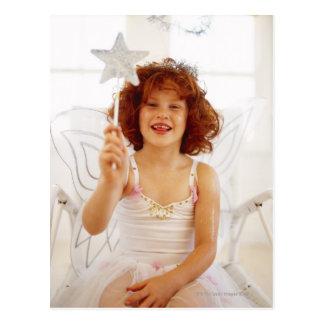 el retrato de una chica joven vistió un ángel postales