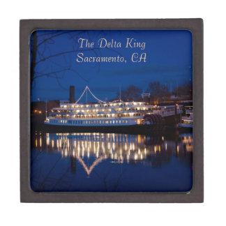 El rey en la noche - Sacramento, CA del delta Cajas De Regalo De Calidad