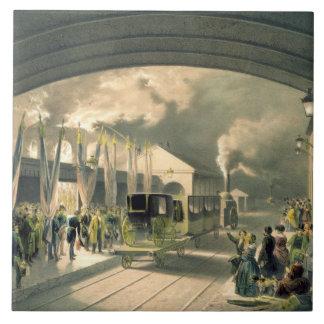 El rey en la nueva estación cruzada (litho) azulejo cuadrado grande