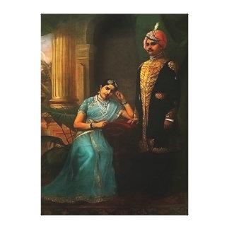 El rey y la reina envolvieron la impresión de la l impresión en tela
