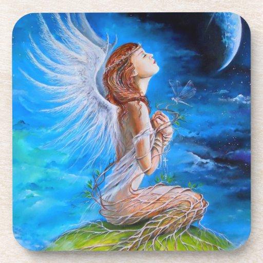 El rezo del ángel posavasos de bebida