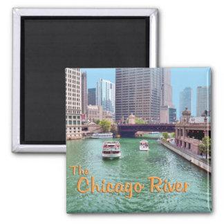 El río Chicago en el centro comercial de mercancía Imán Cuadrado