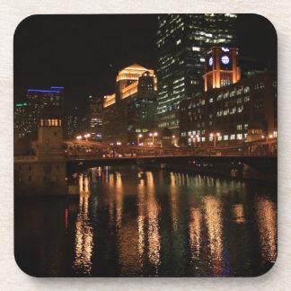El río Chicago Posavasos De Bebidas